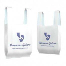 2605a24f4 Bolsas de Plástico tipo camiseta personalizadas - Hermanos Galiano